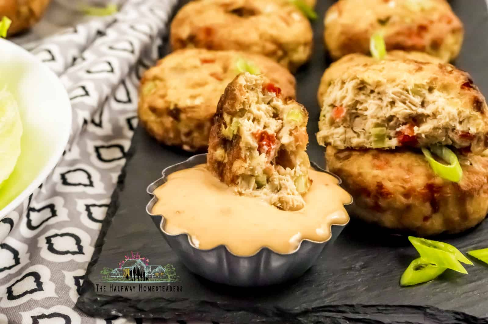keto salmon cakes recipe, high protein recipe, keto recipe that is healthy as well using air fryer recipe method and keto sauce. Low carb dip recipe for salmon patties
